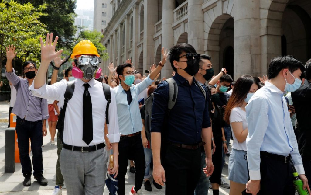 Hong Kong Leader Carrie Lam Invokes Emergency Law to Ban Masks Amid Enduring ProtestsApple Rejects…