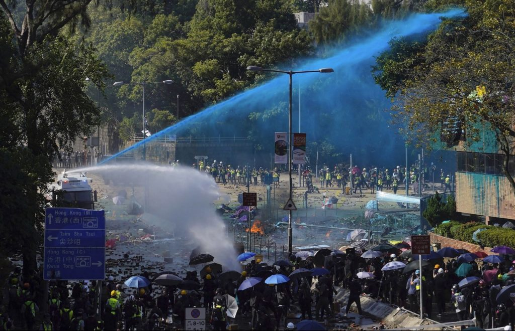 Hong Kong Protesters and Police Face Off in Fresh University ClashesChinese Soldiers Make First…