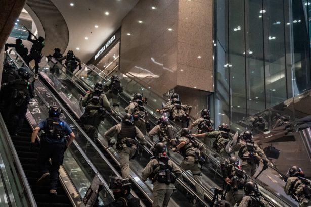 HK Riot police-1